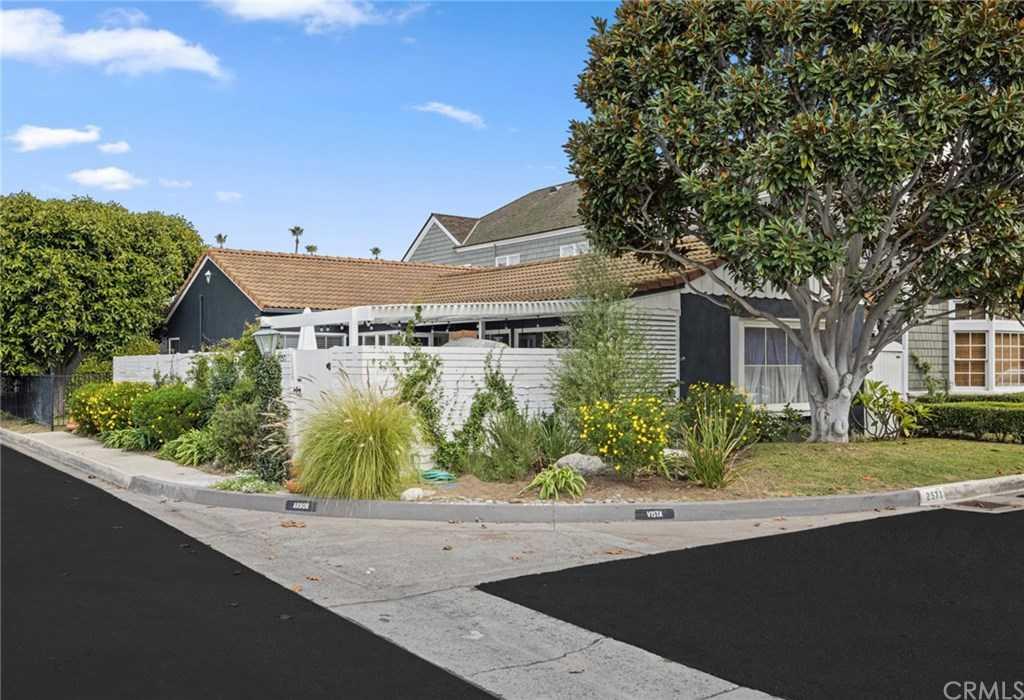 $3,200,000 - 3Br/2Ba -  for Sale in Bayshores (bshr), Newport Beach