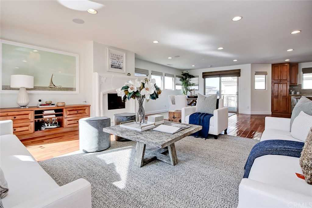 $2,195,000 - 4Br/4Ba -  for Sale in Hermosa Beach