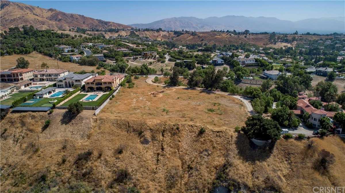 $1,100,000 - Br/Ba -  for Sale in Granada Hills
