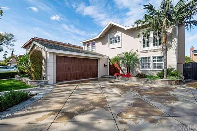 3121 Claremore Avenue Long Beach, CA 90808