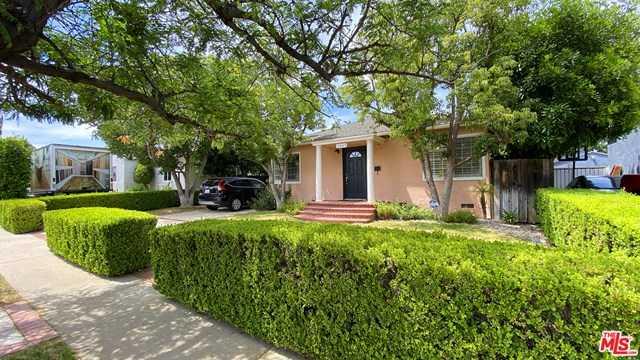 17425 TIARA Street Encino, CA 91316