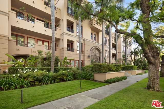 $1,500,000 - 2Br/3Ba -  for Sale in Beverly Hills