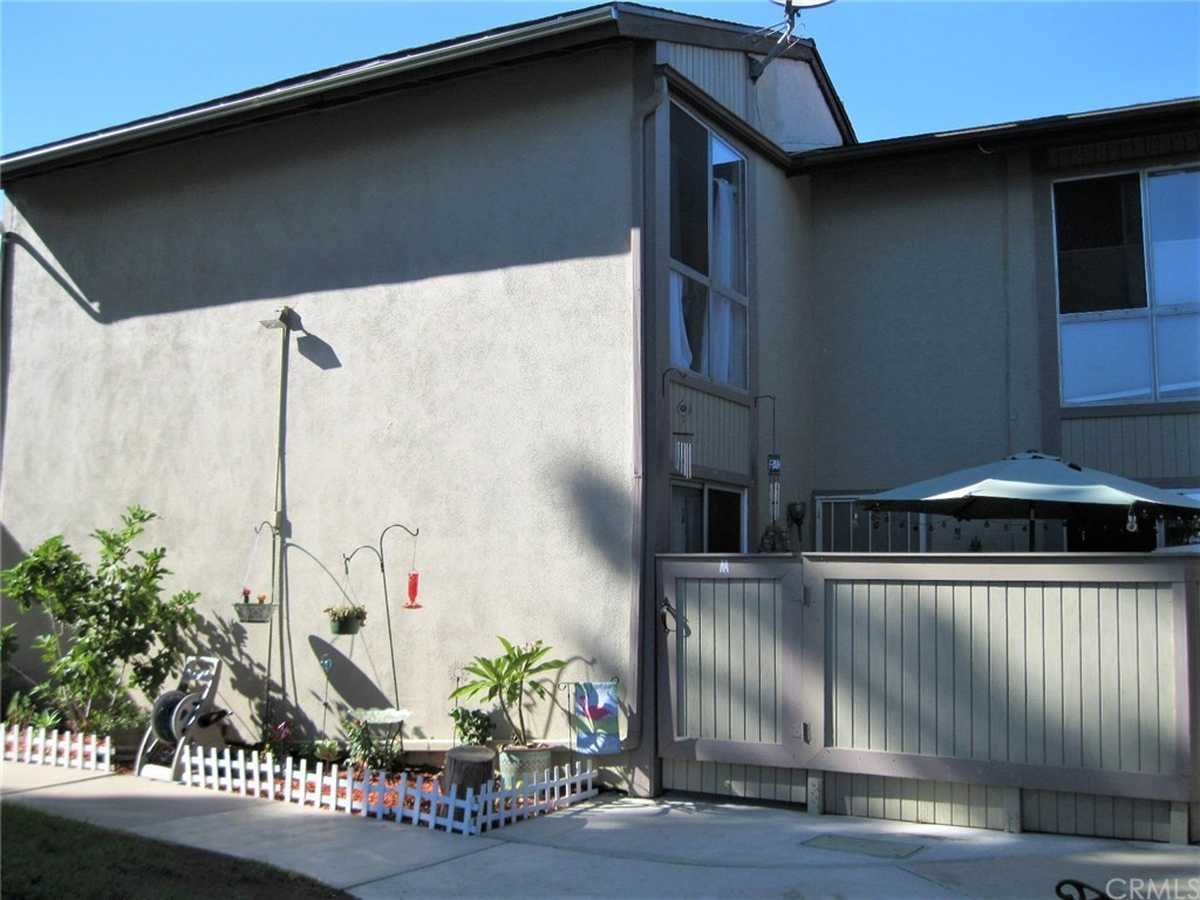$339,900 - 2Br/2Ba -  for Sale in Torrance