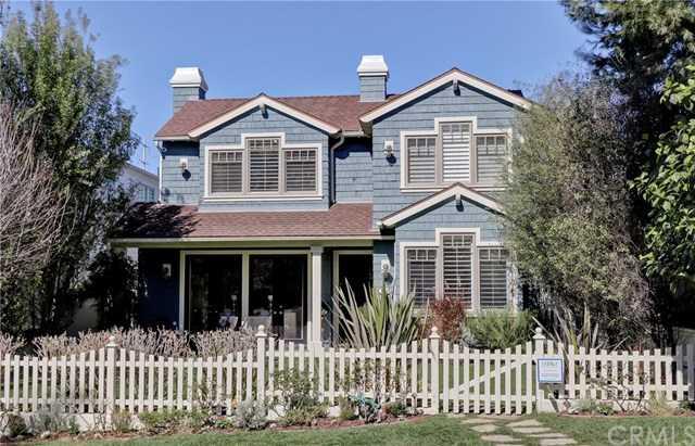 569 35th Street Manhattan Beach, CA 90266