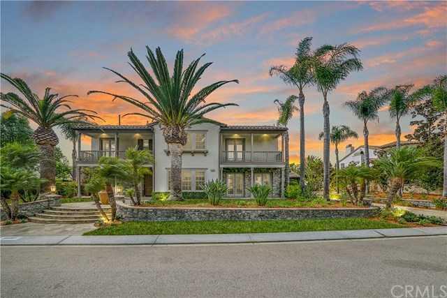 25081 Anvil Circle Laguna Hills, CA 92653