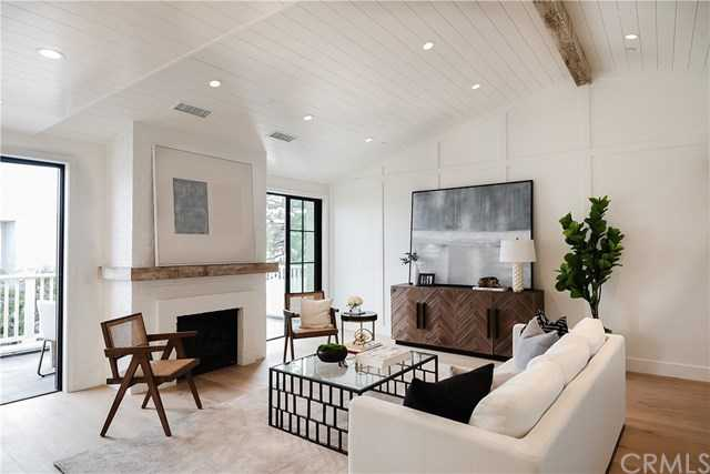 $2,999,999 - 3Br/4Ba -  for Sale in Hermosa Beach