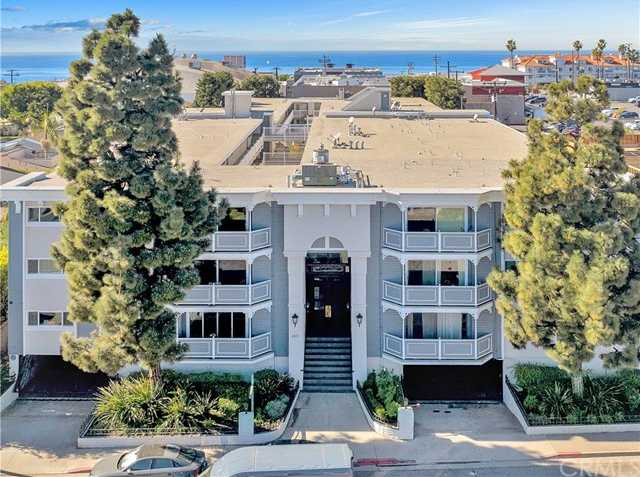 $675,000 - 2Br/2Ba -  for Sale in Hermosa Beach
