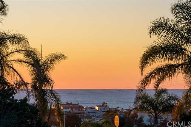 $1,483,000 - 1Br/2Ba -  for Sale in Hermosa Beach