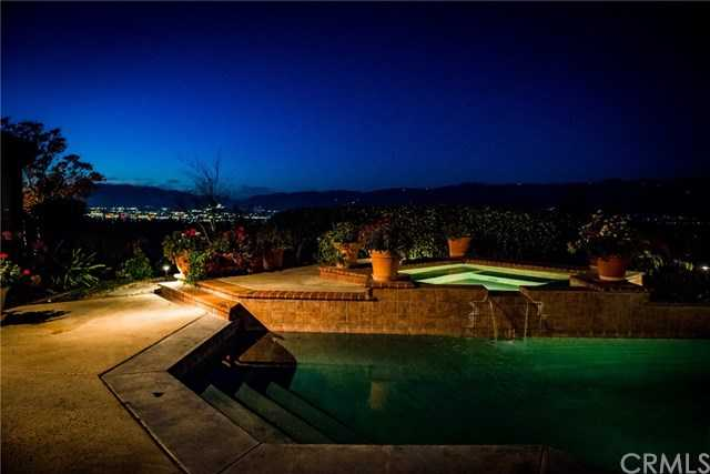 $1,250,000 - 5Br/4Ba -  for Sale in Redlands