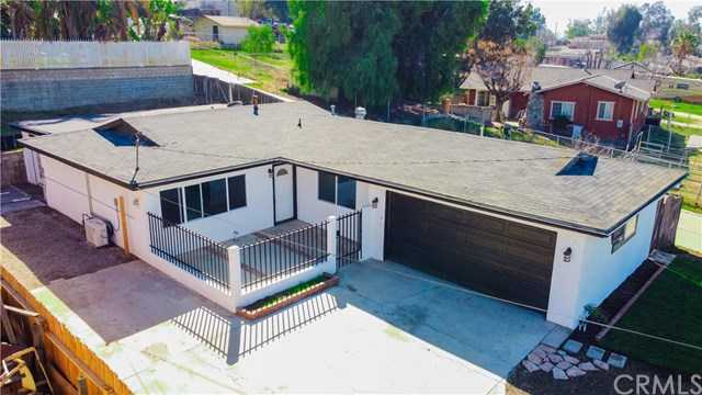 $524,999 - 4Br/2Ba -  for Sale in Norco