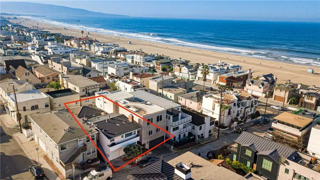 $2,829,000 - 3Br/3Ba -  for Sale in Hermosa Beach
