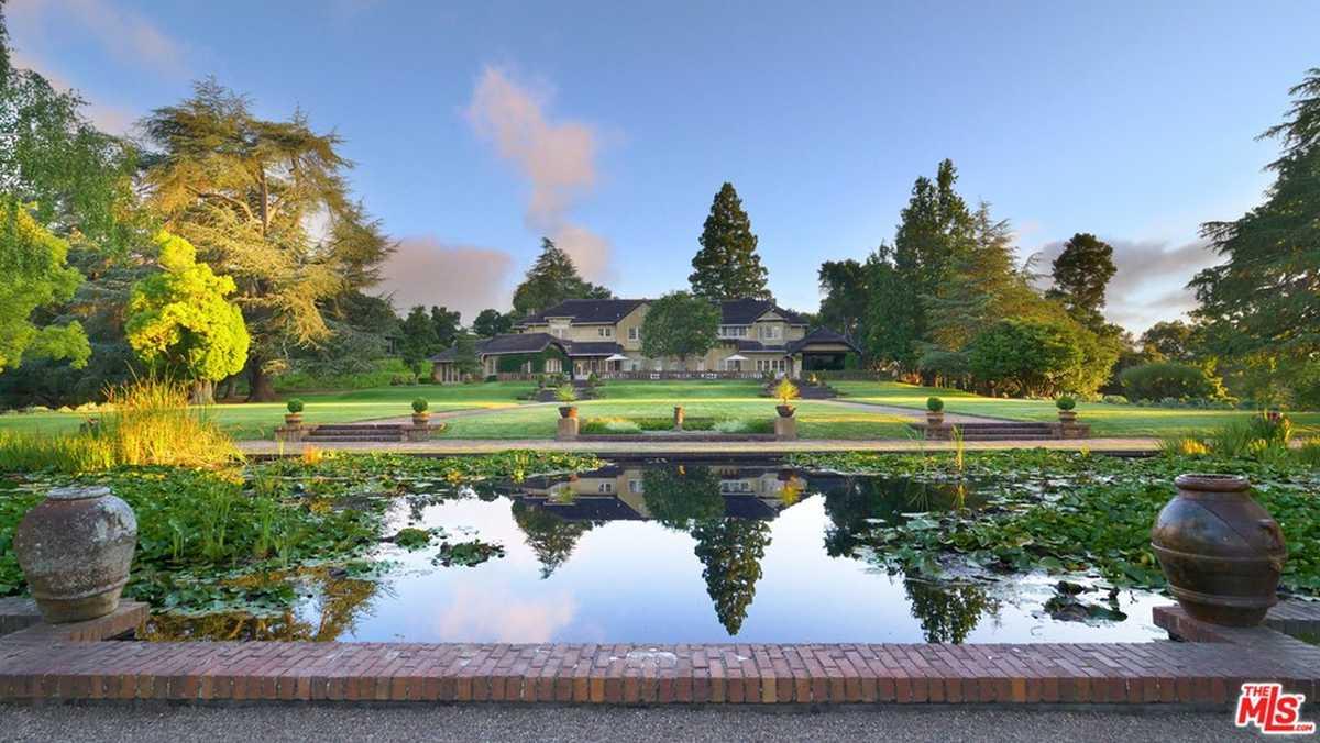 $135,000,000 - 32Br/26Ba -  for Sale in Woodside