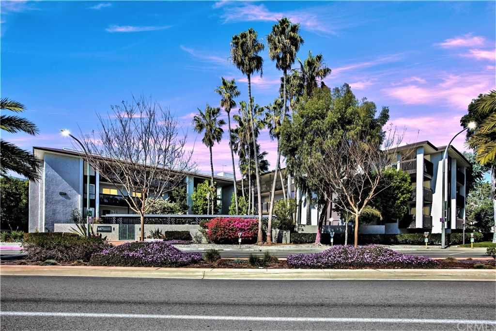 $1,195,000 - 2Br/2Ba -  for Sale in Hermosa Beach