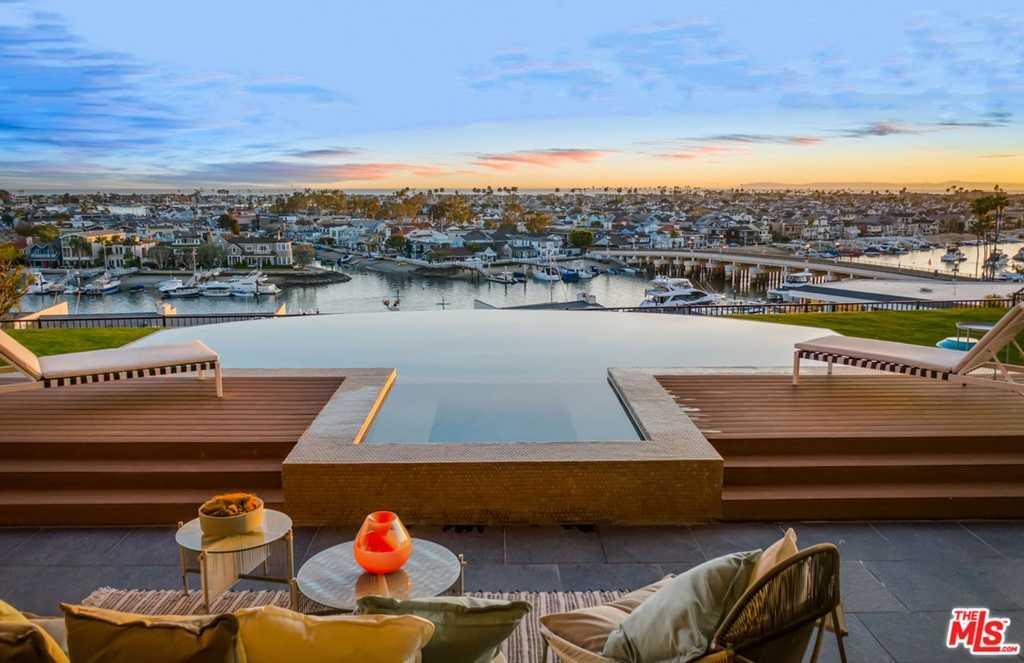 1215 Dolphin Terrace