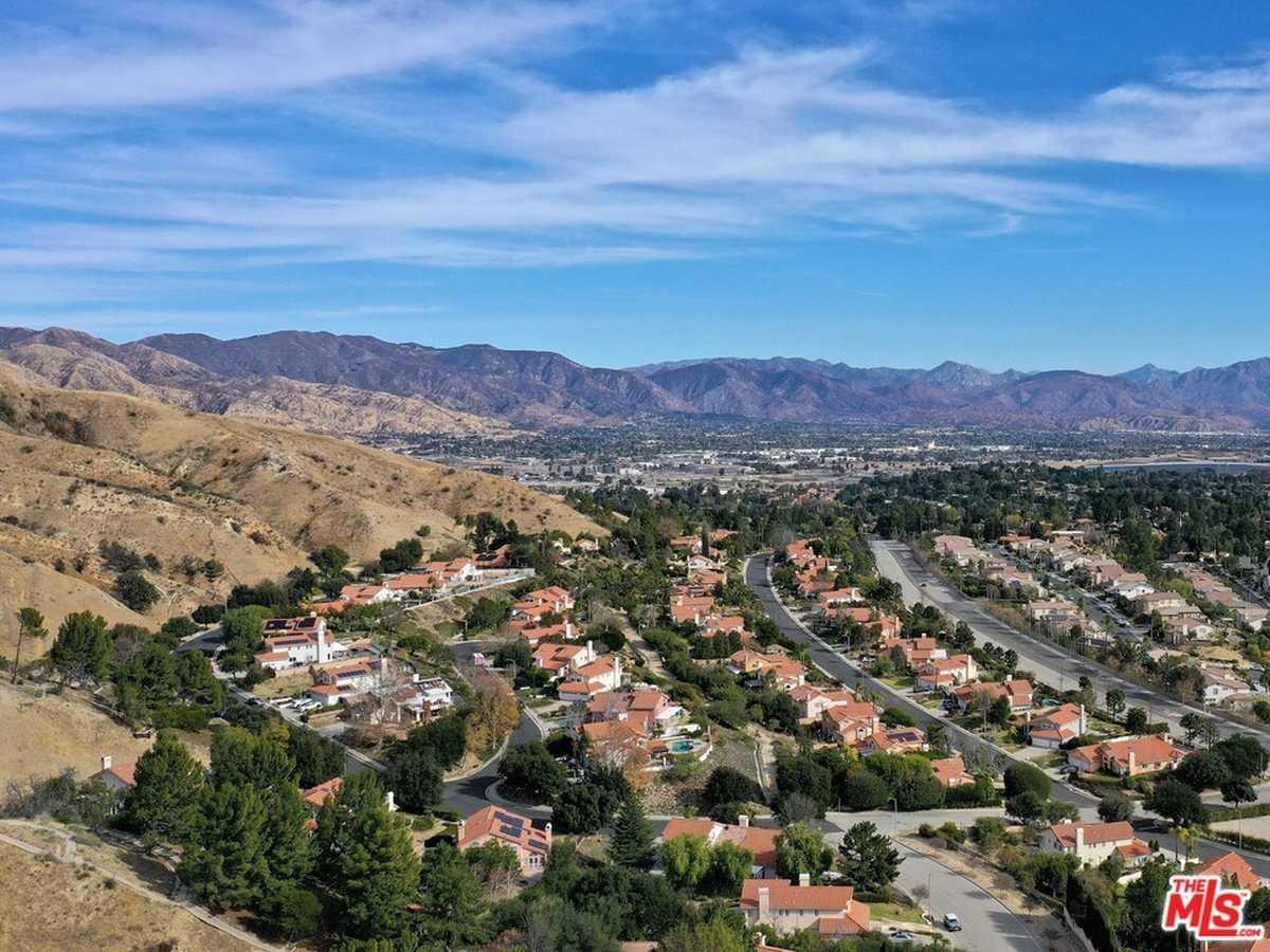 $748,000 - Br/Ba -  for Sale in Granada Hills