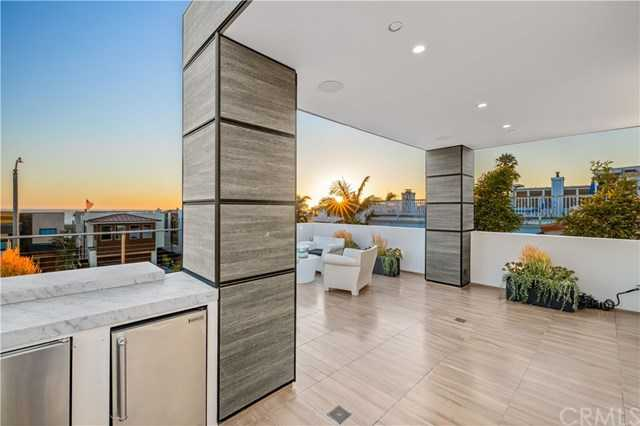$5,799,000 - 4Br/4Ba -  for Sale in Hermosa Beach