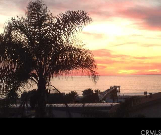 $2,100,000 - 3Br/3Ba -  for Sale in Hermosa Beach