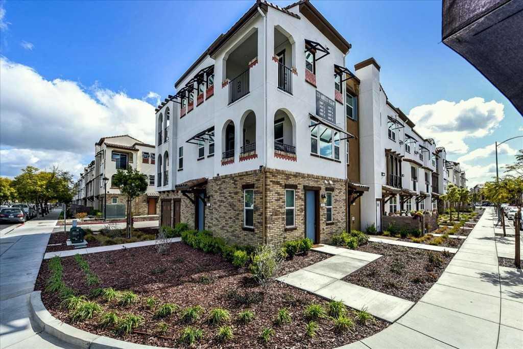 Photo of  2726 Montecito Vista Way