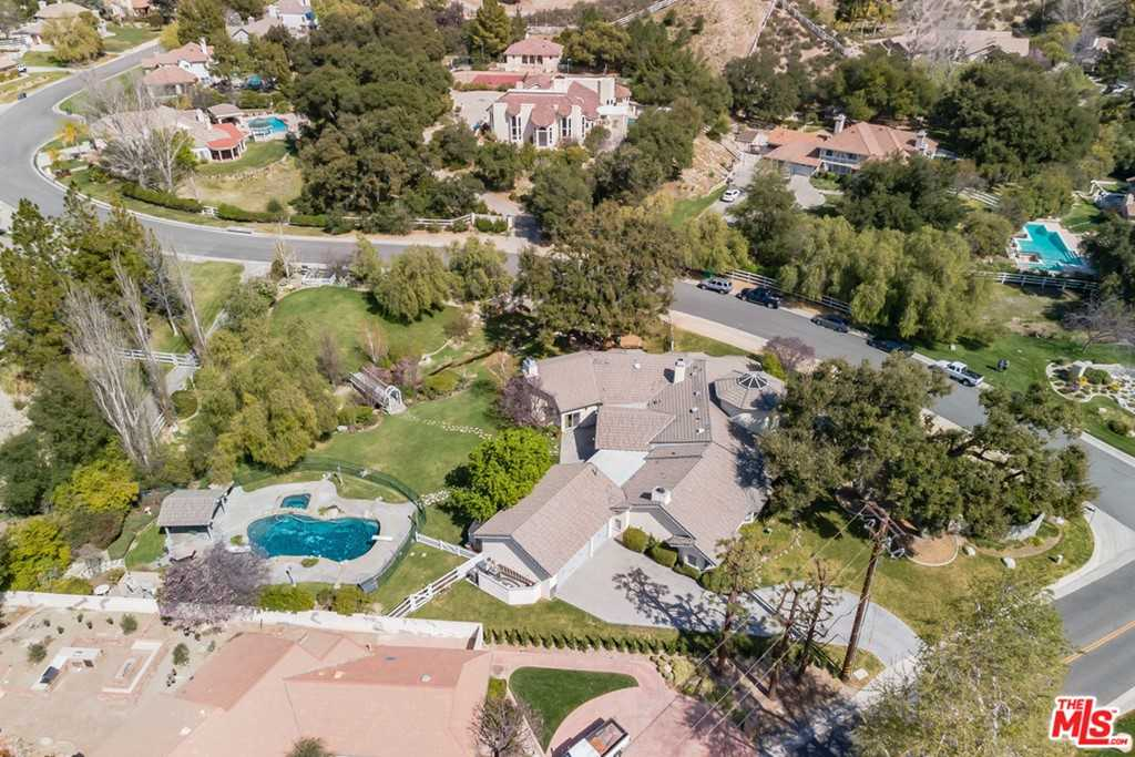 $1,595,000 - 5Br/5Ba -  for Sale in Canyon Country