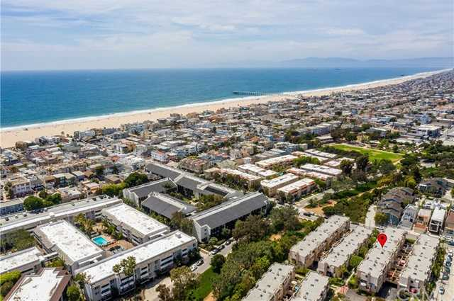 $1,230,000 - 2Br/3Ba -  for Sale in Hermosa Beach