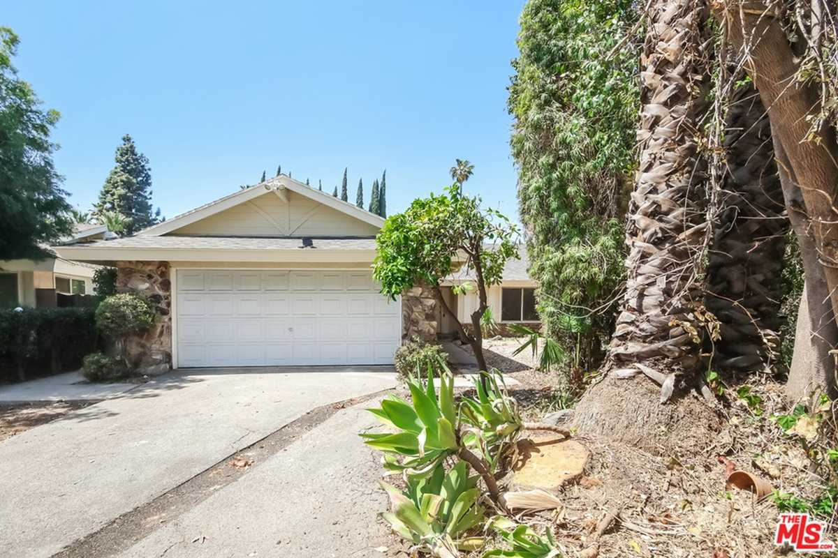 $800,000 - 3Br/2Ba -  for Sale in North Hills