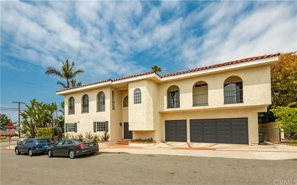 $2,185,000 - 5Br/4Ba -  for Sale in Hermosa Beach