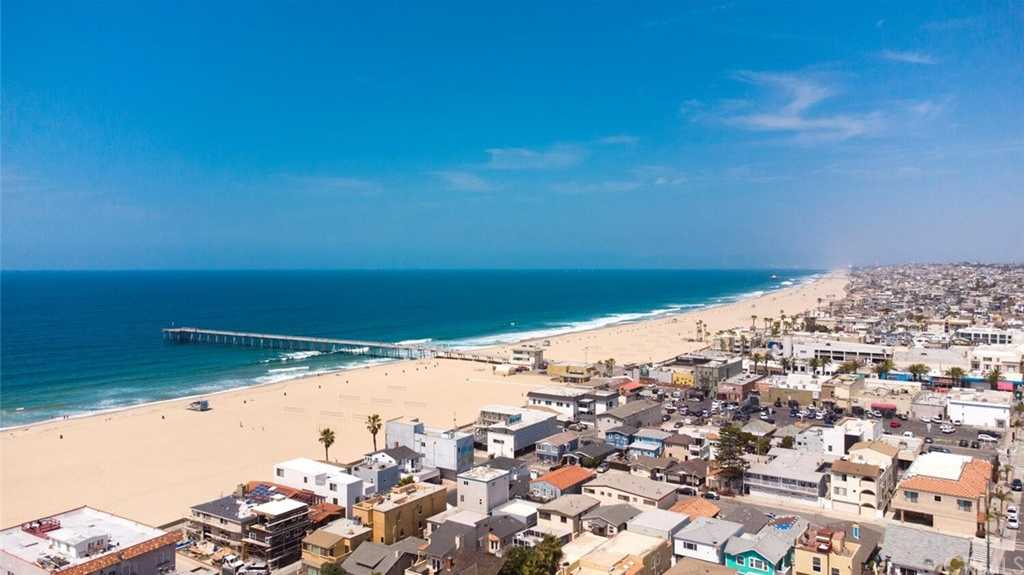 $2,800,000 - 4Br/4Ba -  for Sale in Hermosa Beach