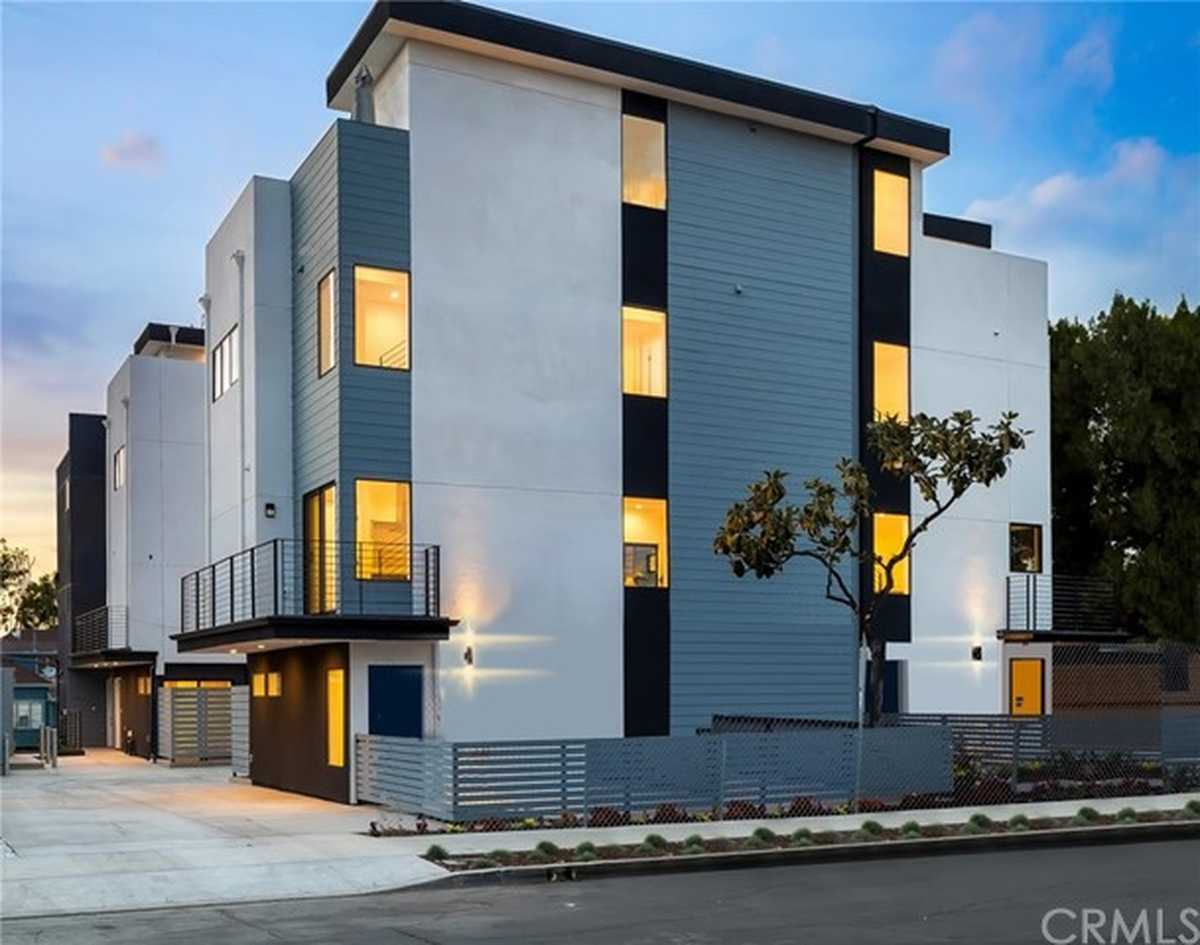 $1,189,000 - 4Br/5Ba -  for Sale in Echo Park