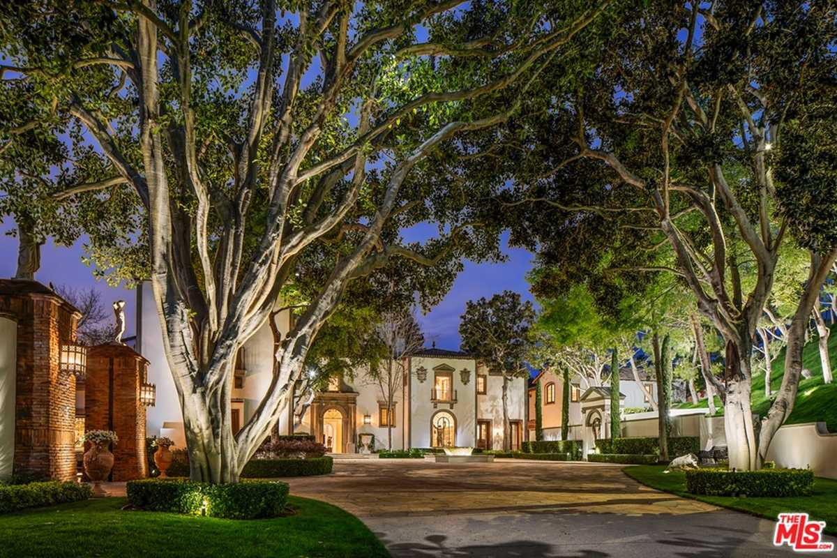 $85,000,000 - 8Br/12Ba -  for Sale in Beverly Hills