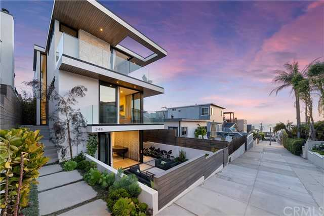 $6,995,000 - 4Br/6Ba -  for Sale in Hermosa Beach