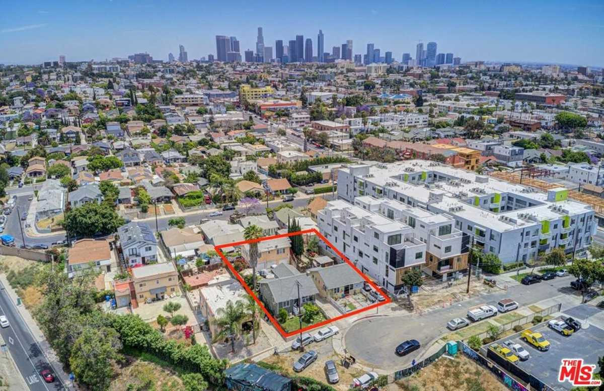 $1,595,000 - Br/Ba -  for Sale in Los Angeles
