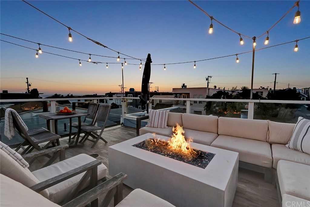 $3,900,000 - 5Br/4Ba -  for Sale in Manhattan Beach