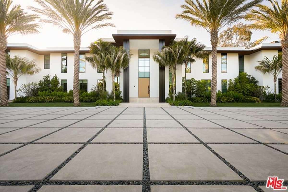 $90,000,000 - 7Br/13Ba -  for Sale in Santa Monica