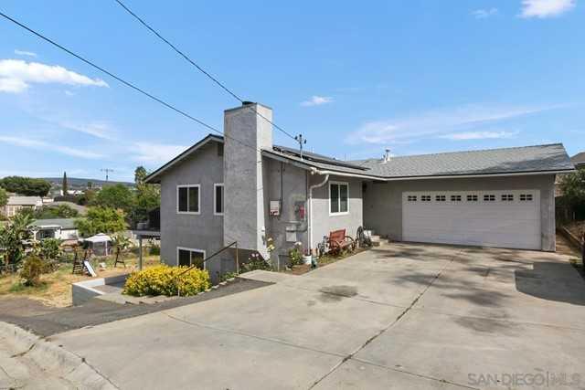 $695,000 - 4Br/3Ba -  for Sale in Vista