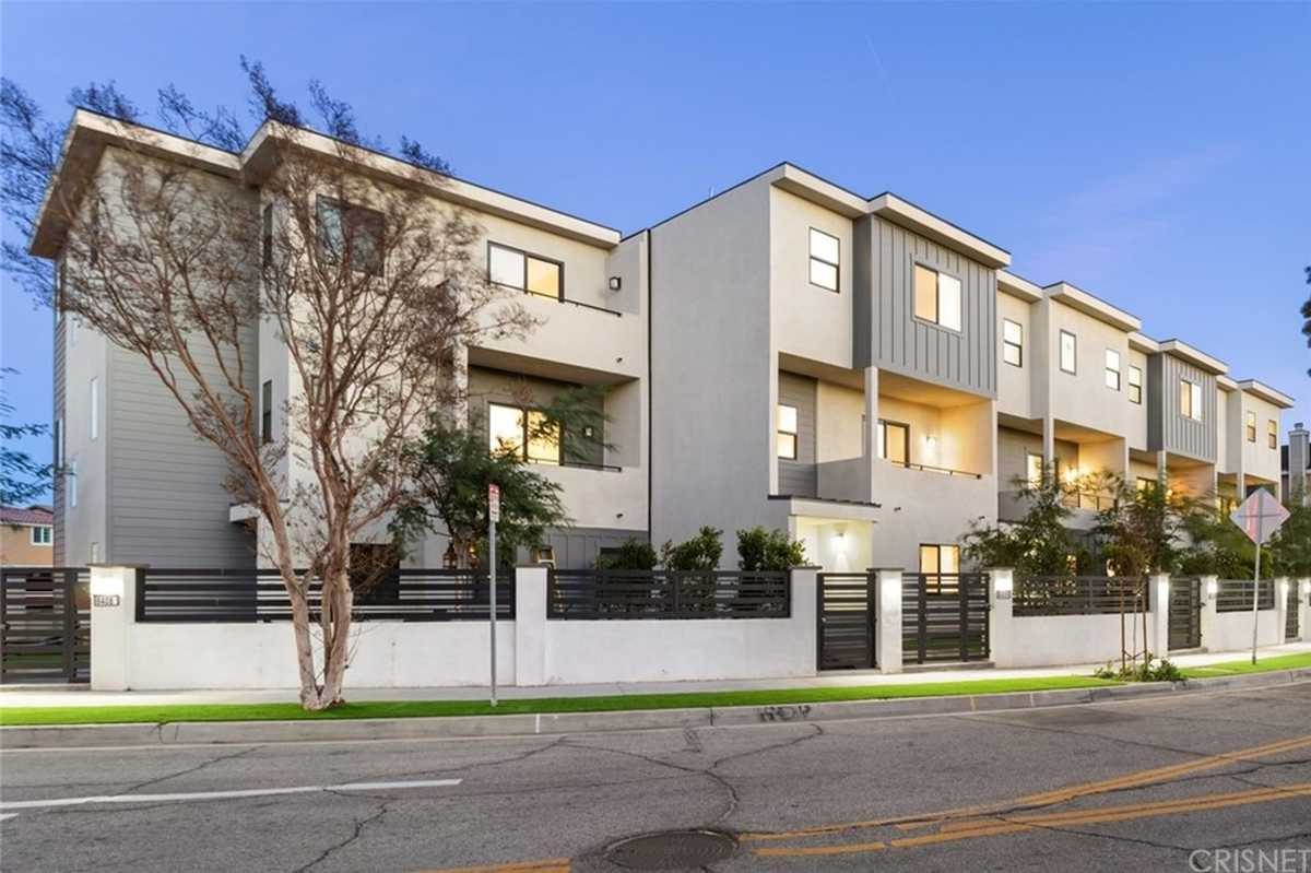 $749,000 - 2Br/3Ba -  for Sale in North Hills