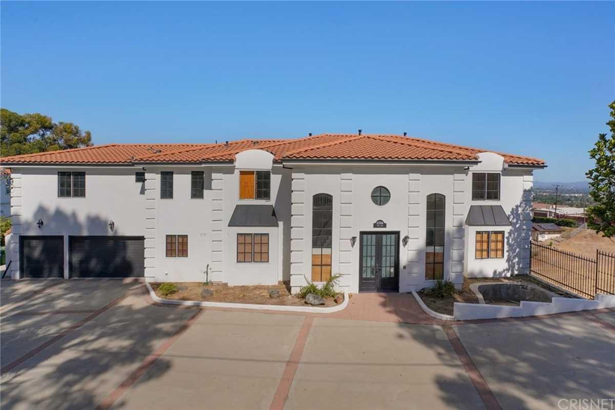 $1,699,000 - 6Br/8Ba -  for Sale in Granada Hills