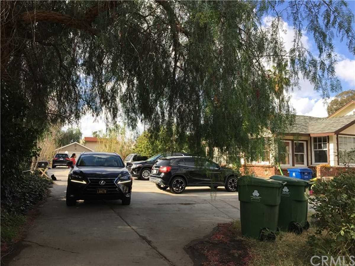 $1,070,000 - Br/Ba -  for Sale in North Hills