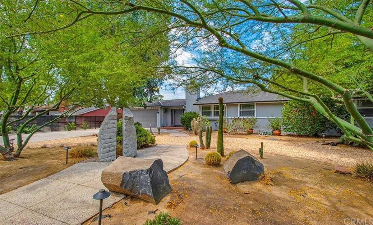 $1,599,000 - 6Br/4Ba -  for Sale in Sherwood Forest
