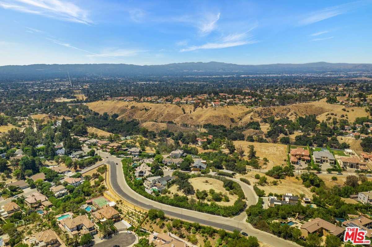 $700,000 - Br/Ba -  for Sale in Granada Hills