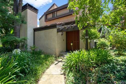 $799,900 - 3Br/3Ba -  for Sale in Woodland Hills