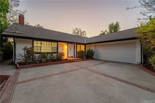 $899,000 - 3Br/2Ba -  for Sale in West Hills