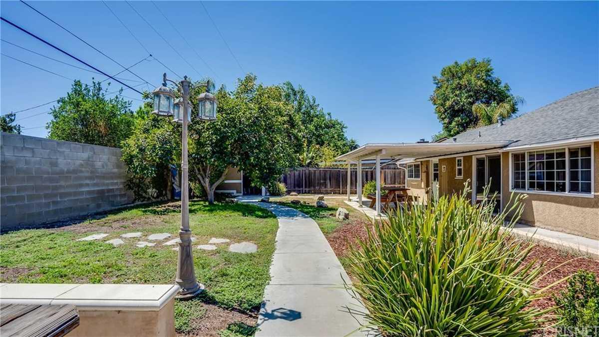 $849,000 - 3Br/2Ba -  for Sale in Northridge