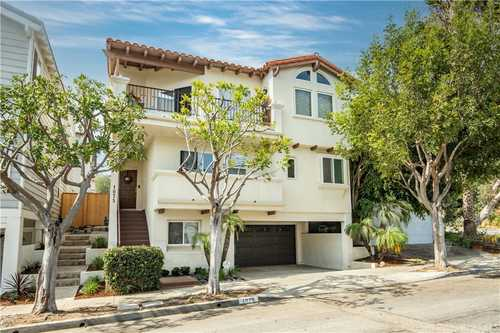 $1,995,000 - 3Br/3Ba -  for Sale in Hermosa Beach
