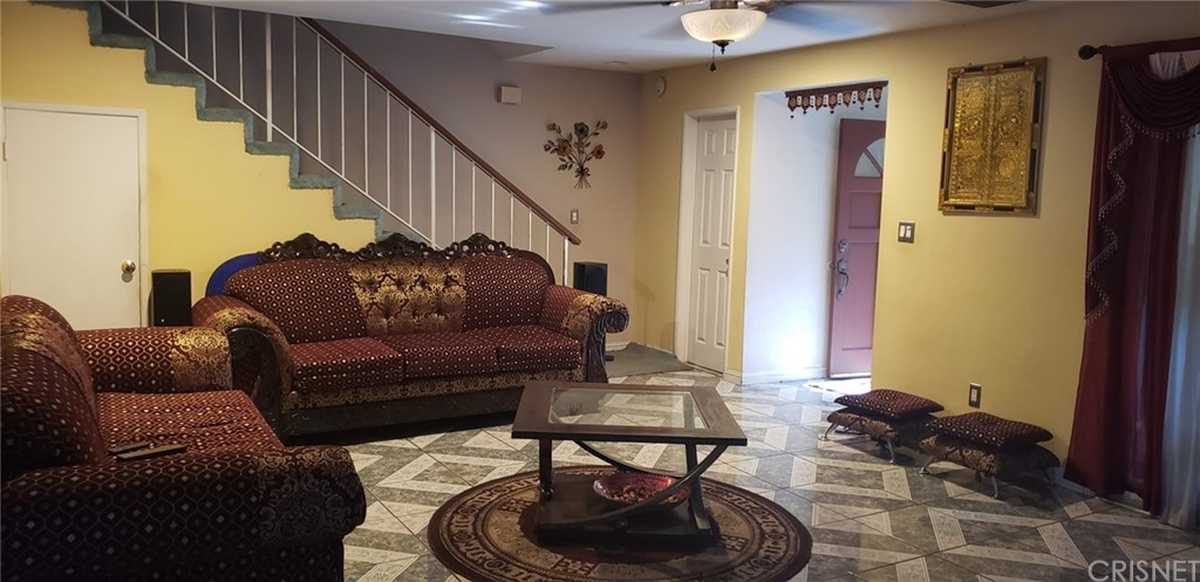 $529,000 - 3Br/2Ba -  for Sale in Northridge