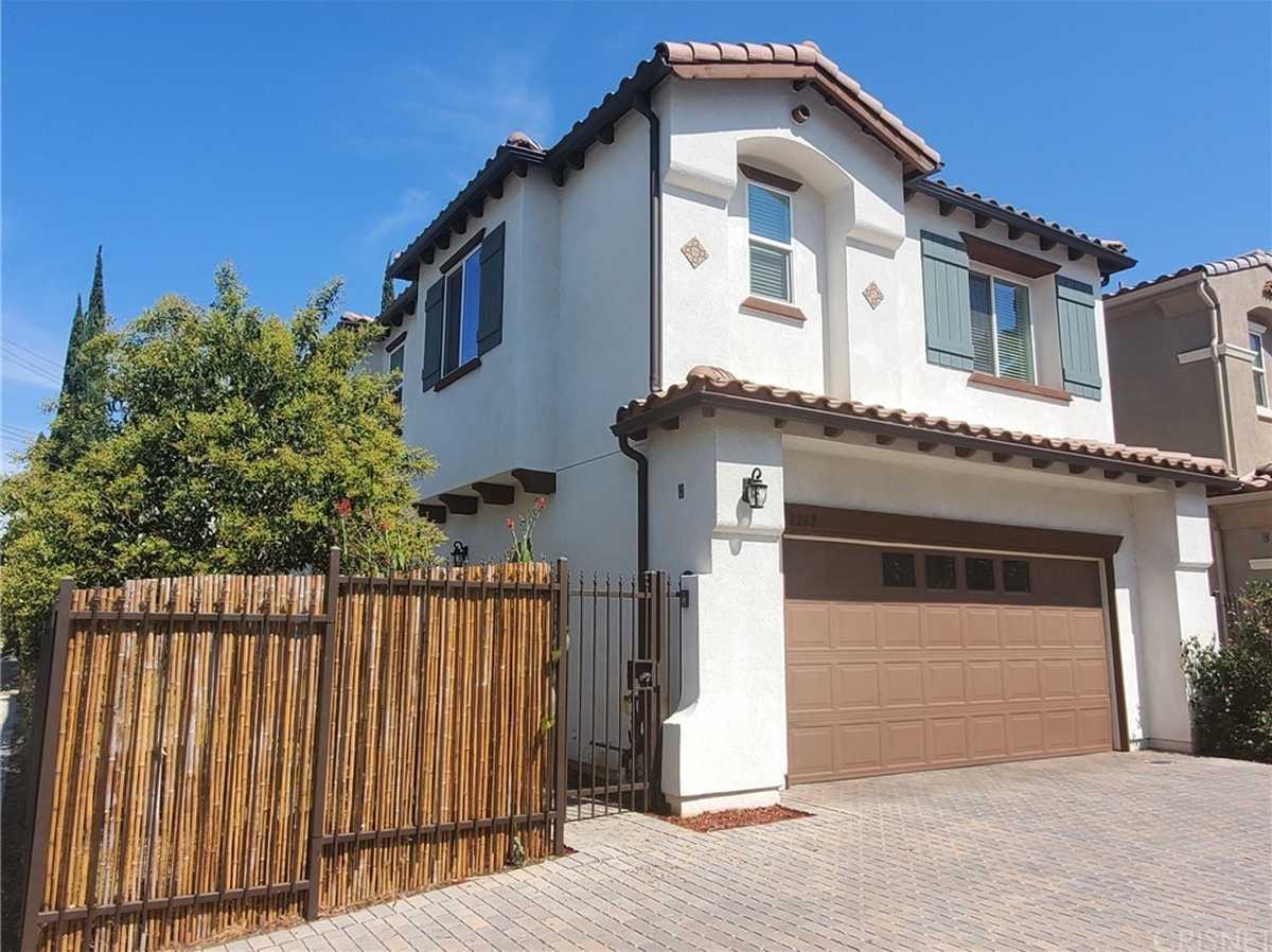 $949,900 - 5Br/4Ba -  for Sale in Northridge