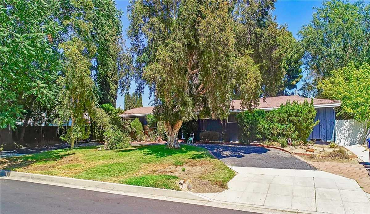 $1,100,000 - 5Br/2Ba -  for Sale in Northridge