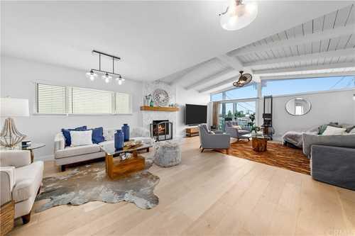 $2,295,000 - 3Br/3Ba -  for Sale in Manhattan Beach