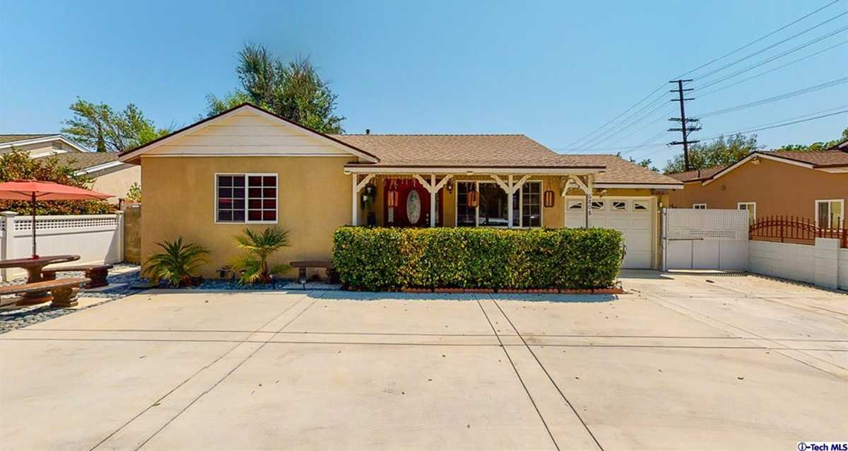 $949,000 - 4Br/3Ba -  for Sale in Not Applicable-105, Lake Balboa