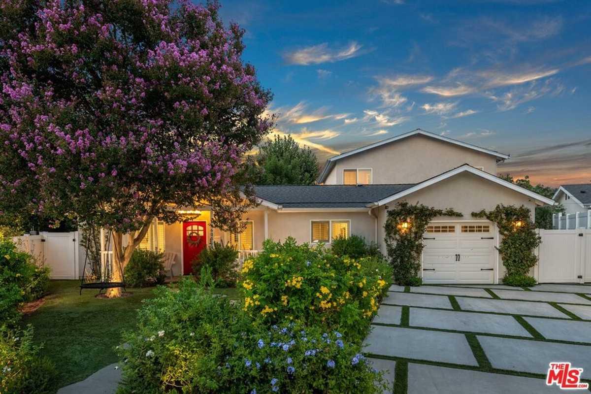 $1,199,000 - 4Br/3Ba -  for Sale in Lake Balboa