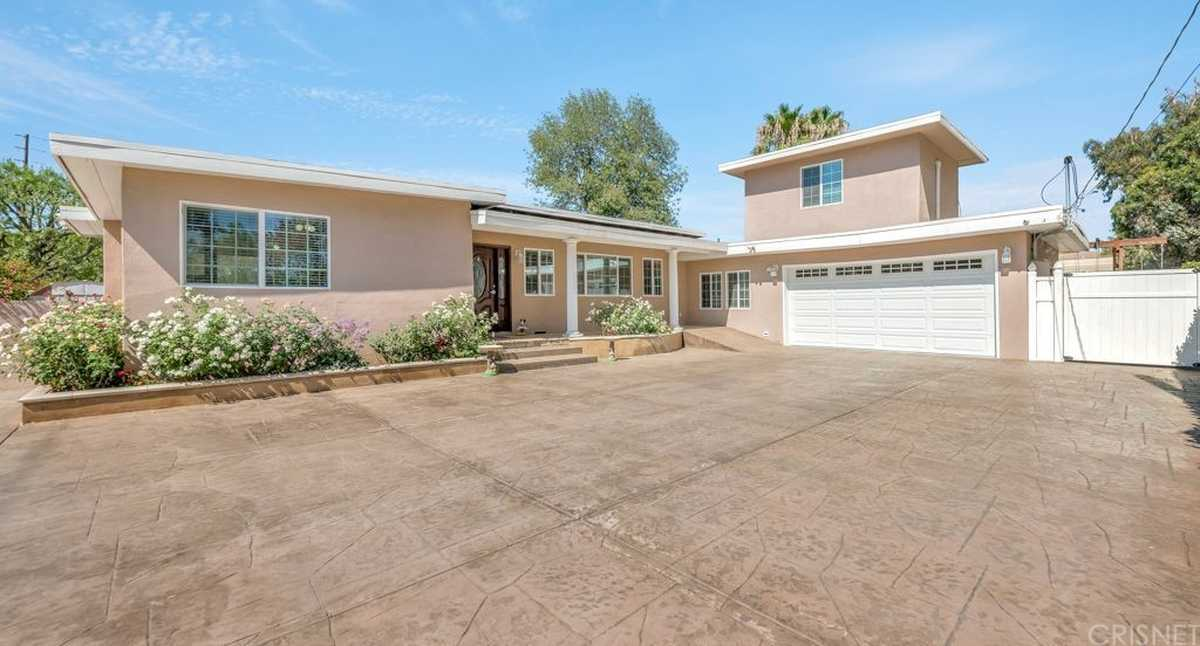 $1,299,000 - 3Br/2Ba -  for Sale in North Hills